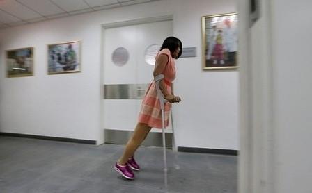Theo các bác sĩ, đôi chân giả mới có thể nói là tốt nhất trên thế giới, nó sẽ giúp bệnh nhân có cuộc sống như những người bình thường