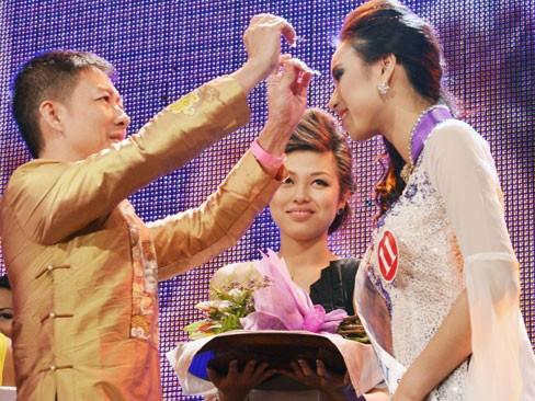 Thùy Linh đăng quang Hoa hậu người Việt tại Séc - ảnh 4