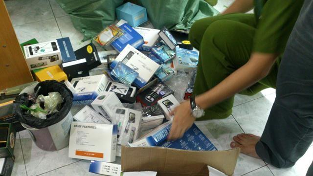 Thu hàng trăm thiết bị điện tử nghe lén, quay trộm - ảnh 4