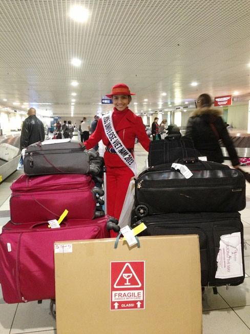 Miss Universe: Trương Thị May đã có mặt ở Moskva - ảnh 2