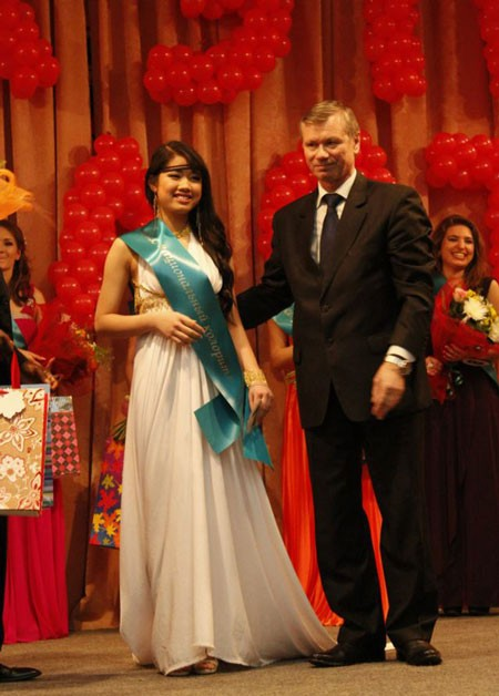 Trần Thị Dung - Hoa hậu bản sắc dân tộc tại Nga