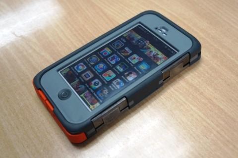 Otterbox Armor chống shock và chống nước cho iPhone 5s