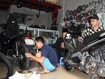 'Phẫu thuật thẩm mỹ' cho xe máy - ảnh 1