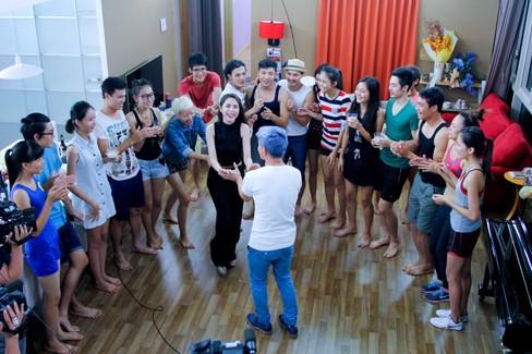 Thủy Tiên khoe da trắng muốt ở nhà chung Next Top Model - ảnh 6