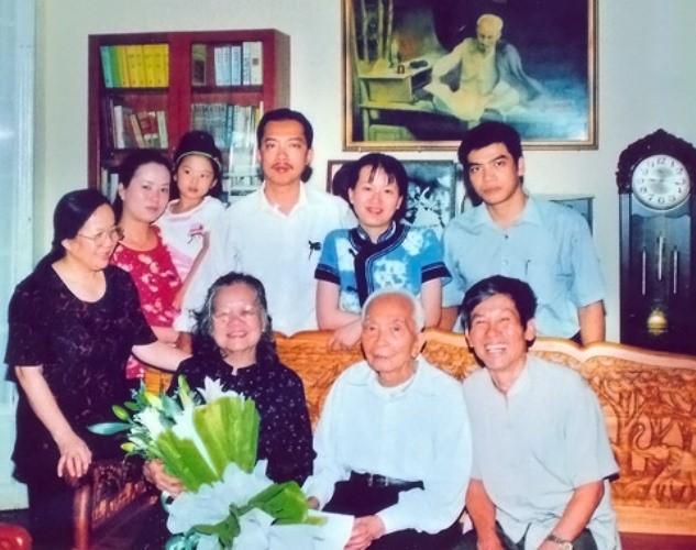 Giây phút hạnh phúc của tướng Võ Nguyên Giáp bên gia đình - ảnh 8