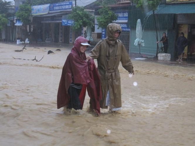 Lũ nhấn chìm các xã trên địa bàn Hương Sơn