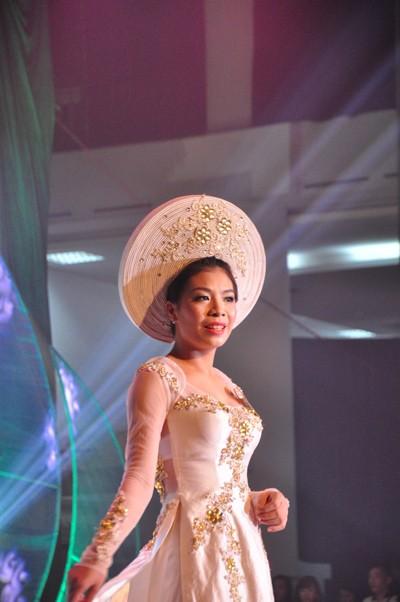 Hình ảnh đêm chung kết 'Người đẹp xứ Trà' 2013 - ảnh 6
