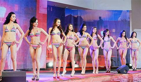 Thùy Linh đăng quang Hoa hậu người Việt tại Séc - ảnh 15