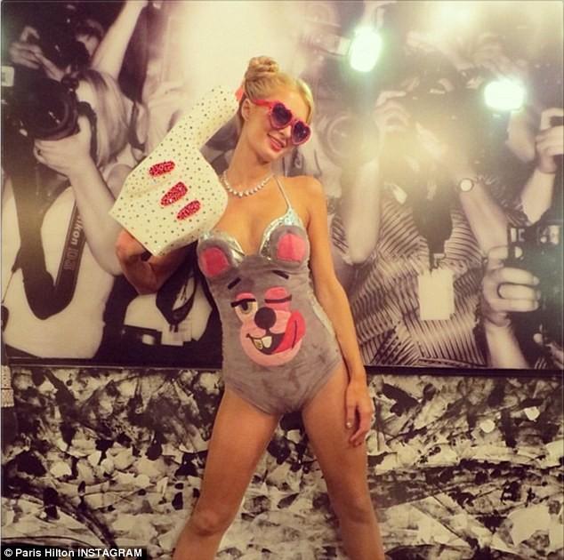 Paris Hilton cũng thích thành phiên bản - ảnh 5