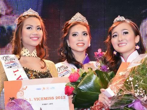 Thùy Linh đăng quang Hoa hậu người Việt tại Séc - ảnh 7