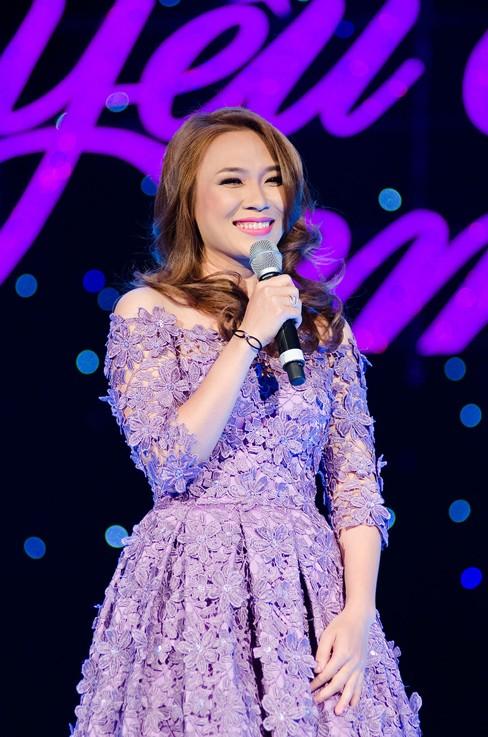 Thắng đề cử EMA Đông Nam Á, Mỹ Tâm hát cực 'sung' - ảnh 1