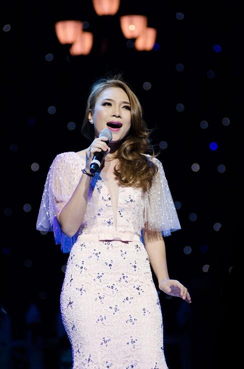 Thắng đề cử EMA Đông Nam Á, Mỹ Tâm hát cực 'sung' - ảnh 4