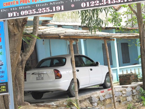 Ô tô không còn quá xa lạ trong nhà của ngư dân Bình Minh
