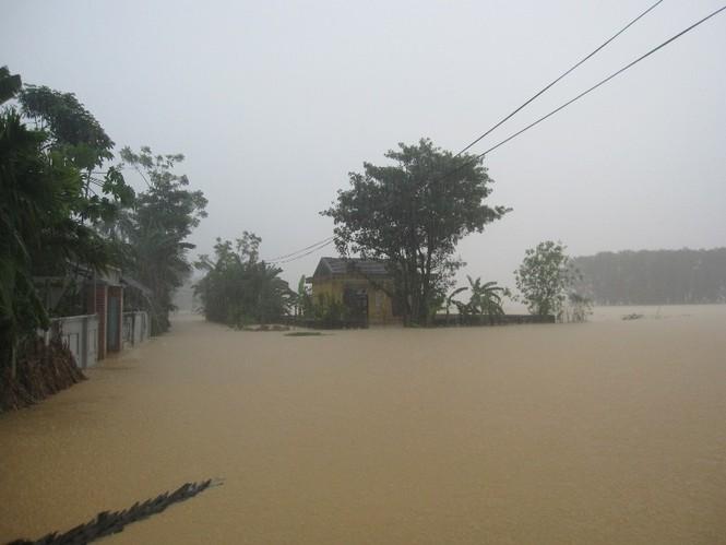 Hà Tĩnh: Lũ nhấn chìm 3 huyện miền núi - ảnh 3