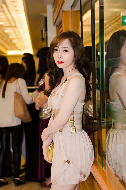 Quỳnh Nga bốc lửa, dự tiệc cùng người mẫu Doãn Tuấn - ảnh 3