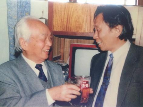 Đại tướng Võ Nguyên Giáp và Giáo sư Phạm Đức Dương trong một lần gặp gỡ