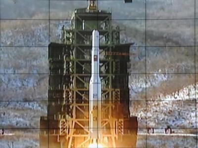 Vụ Triều Tiên phóng tên lửa vào ngày 12 -12 -2012 khiến cả thế giới bất ngờ bởi trước đó Triều Tiên tuyên bố sẽ kéo dài thời gian phóng tên lửa do gặp trục trặc kỹ thuật. Đây là lần thứ hai Triều Tiên phóng tên lửa trong năm nay, và lần này, Triều Tiên tuyên bố phóng thành công