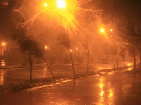 Siêu bão Nari áp sát đất liền, gió giật kinh hoàng - ảnh 7