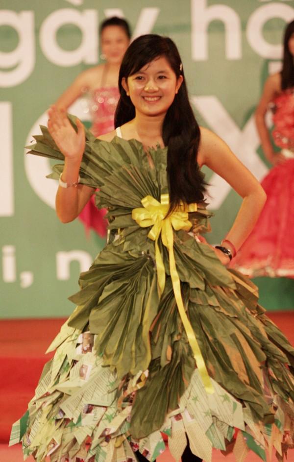 """Hoa hậu Ngọc Hân tham gia """"Ngày hội Sống Xanh 2011"""" - ảnh 3"""