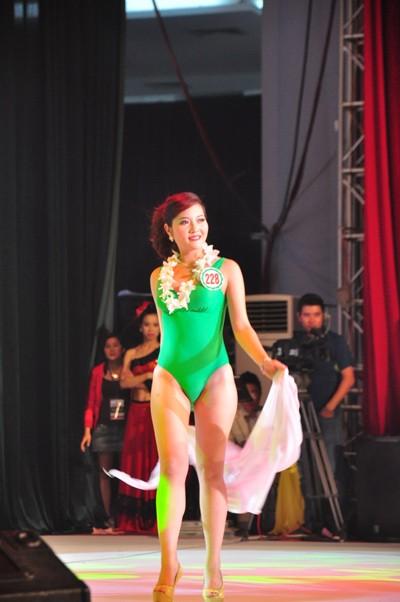 Hình ảnh đêm chung kết 'Người đẹp xứ Trà' 2013 - ảnh 16