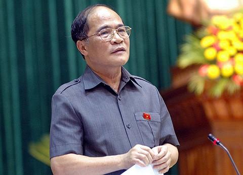 Chủ tịch Quốc hội Nguyễn Sinh Hùng