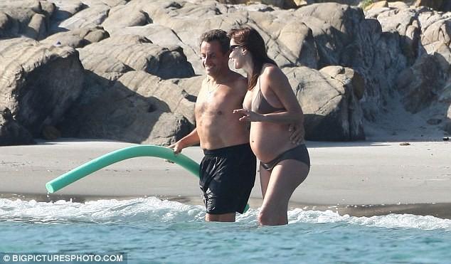 Phu nhân Tổng thống Pháp đẹp rạng rỡ khi mang bầu - ảnh 4