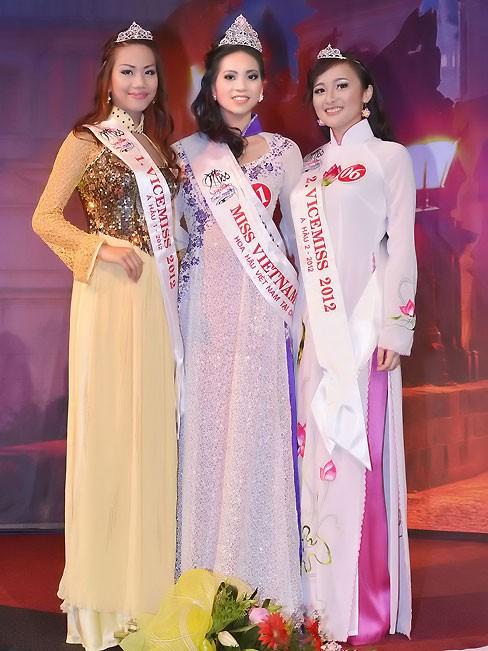 Thùy Linh đăng quang Hoa hậu người Việt tại Séc - ảnh 5