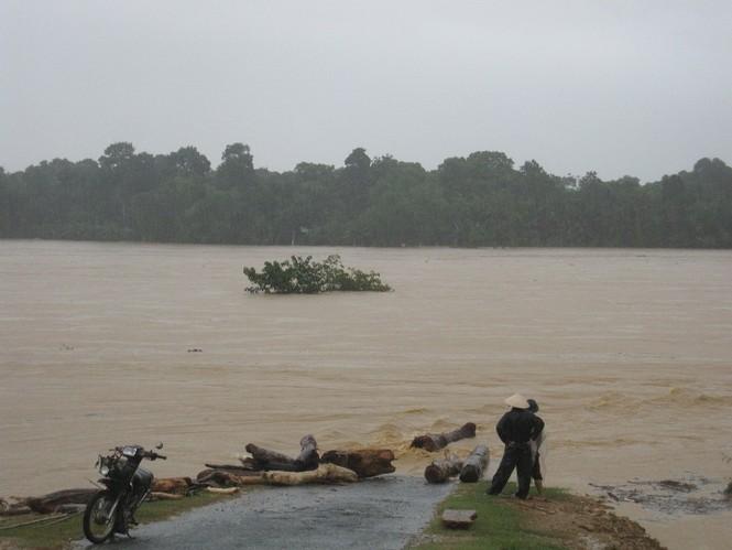 Hà Tĩnh: Lũ nhấn chìm 3 huyện miền núi - ảnh 7