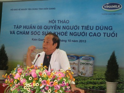 Tiến sĩ – Bác sĩ Nguyễn Hữu Toản trình bày về sức khỏe dinh dưỡng của người cao tuổi
