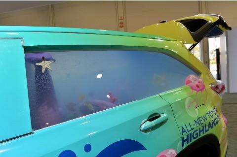 Ngỡ ngàng trước Toyota Highlander hóa thành... bể cá - ảnh 7