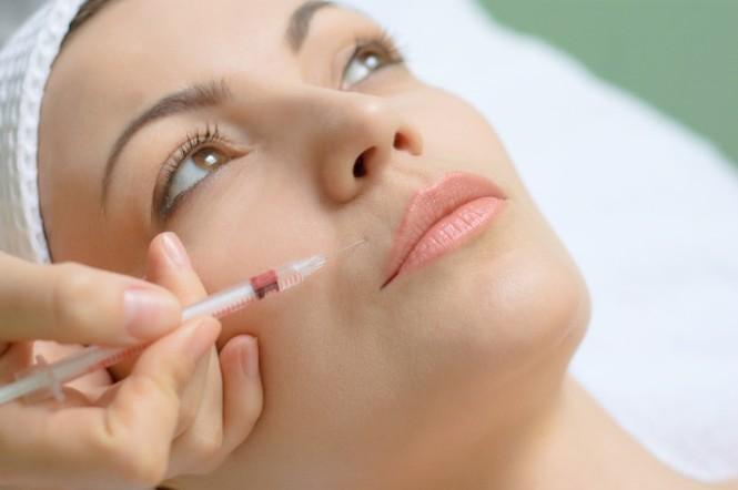 Thực hư về tiêm collagen để trẻ đẹp hơn - ảnh 1