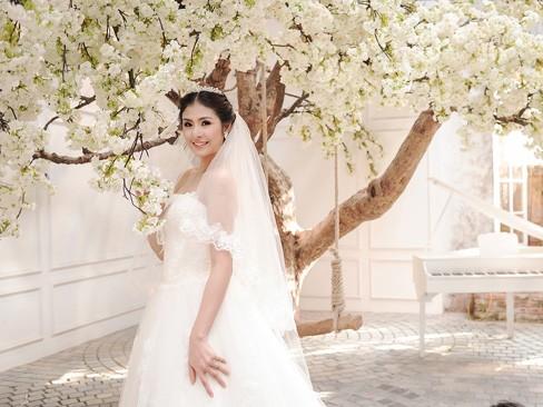 Ngọc Hân kiêu kỳ trong bộ váy cưới tự thiết kế - ảnh 10
