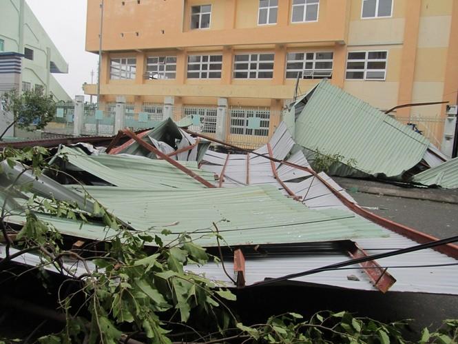 ẢNH NÓNG: Đà Nẵng quay cuồng trong siêu bão - ảnh 1