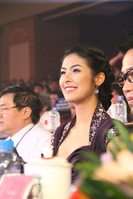 Hoa hậu Báo Tiền phong 2010 Ngọc Hân trong vai trò giám khảo