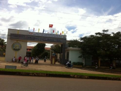 Trường THPT Đồng Xoài có 88 em dự thi HSG tỉnh Bình Phước năm 2013, có 6 em bị 0 điểm môn tin học