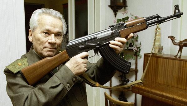 Cha đẻ súng AK-47 nhập viện - ảnh 2