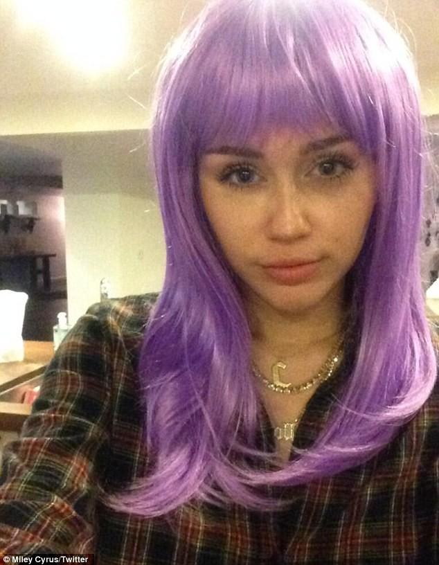 Miley Cyrus bất ngờ 'ngoan hiền' - ảnh 2