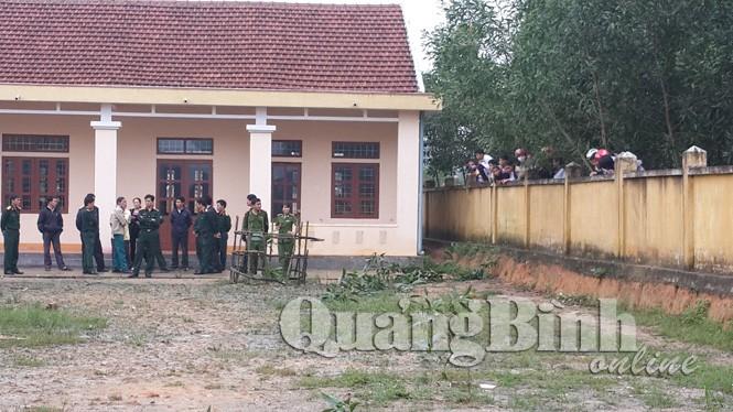 Nổ bom ở trường học, một học sinh chết - ảnh 2