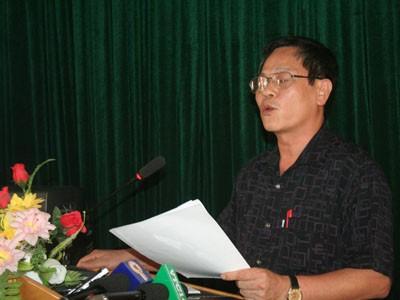 Ông Ngô Thanh Sơn, Phó giám đốc Sở GD&ĐT Bắc Giang trả lời câu hỏi của phóng viên
