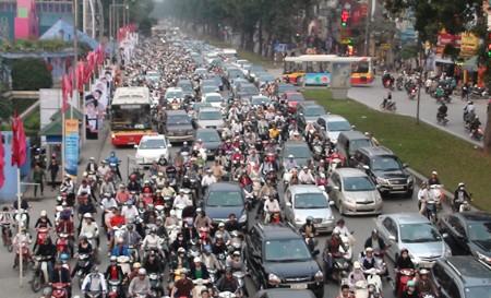 Hà Nội vẫn tắc đường trầm trọng - ảnh 3