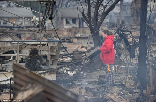 Vụ hỏa hoạn ở quận Queens, New York xảy ra trong khi siêu bão Sandy đang tấn công khu vực