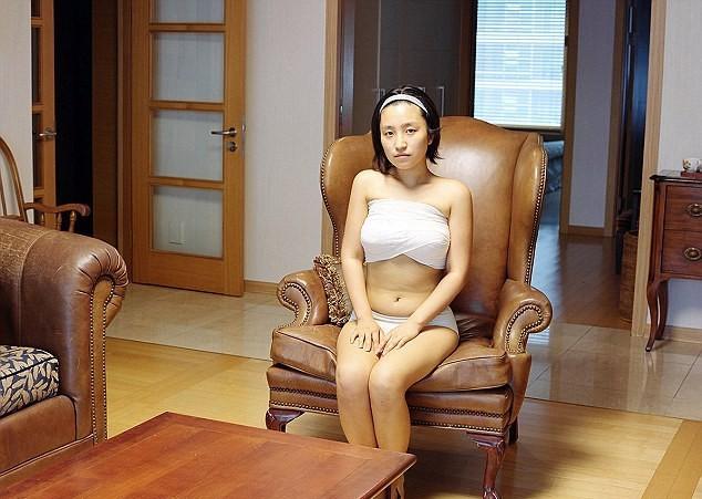 Người Hàn Quốc coi phẫu thuật thẩm mỹ là việc cần thiết cho cuộc sống. Ảnh: Ji Yeo
