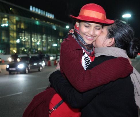 Miss Universe: Trương Thị May đã có mặt ở Moskva - ảnh 4