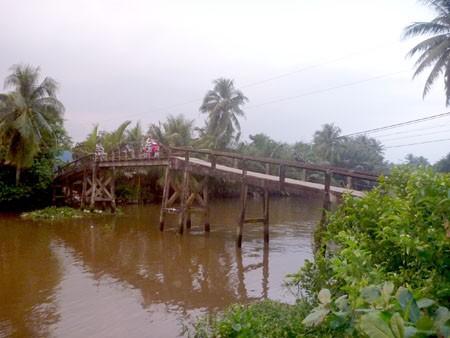 Cây cầu Ba Mớm, nơi em Duy rơi xuống kinh