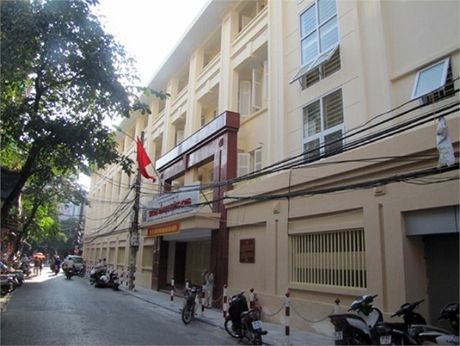 Trường tư thục Thăng Long ngày xưa ở số 20 Ngõ Trạm, Hoàn Kiếm, Hà Nội nay đã được xây lại khang trang