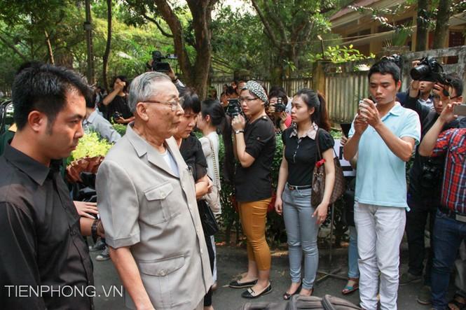 Trung tướng Đồng Sĩ Nguyên tới viếng người anh cả của quân đội Nhân dân Việt Nam - Đại tướng Võ Nguyên Giáp