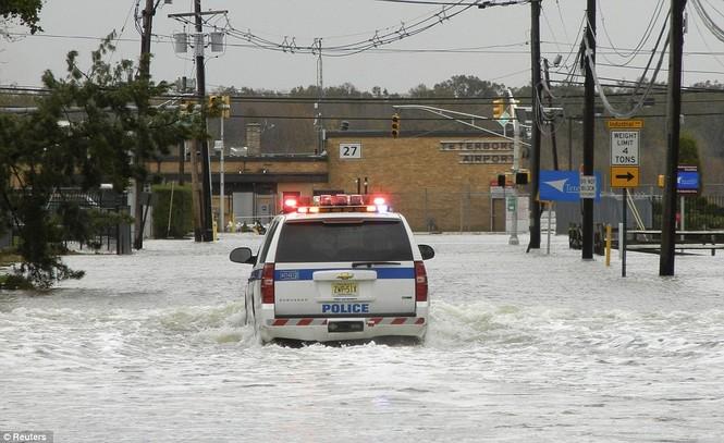 Lực lượng cảnh sát luôn trong tư thế sẵn sàng ứng cứu người dân