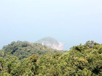 Mũi Đèn nhìn từ đỉnh Sơn Trà  - nơi tàu bị nạn