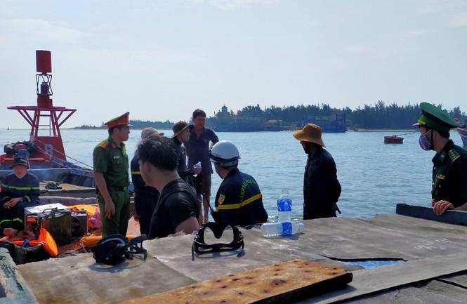 Tìm kiếm nam thanh niên nhảy xuống biển tự vẫn - ảnh 1