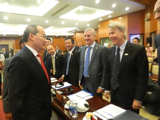 Nhà đầu tư nước ngoài lo ngại ùn tắc ở sân bay Tân Sơn Nhất  - ảnh 2